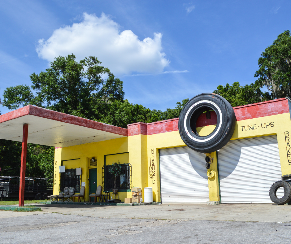 How to find a good mechanic shop, photo of the outside of a mechanic shop